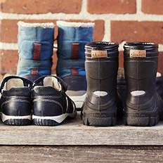 Må børn gå i brugte sko?
